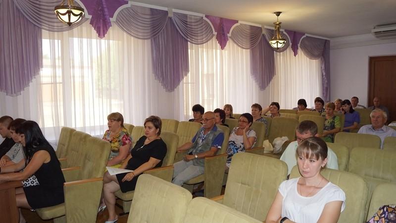 Общественный совет Грачевского района: летний отдых детей, неотъемлемые вопросы воспитания и независимая оценка